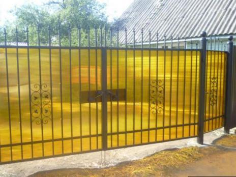 Жёлтый сотовый поликарбонат 8,0 мм, вариант применения 3